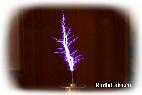 Катушка Тесла на лампе