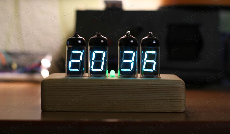 Часы на люминесцентных индикаторах ИВ-11